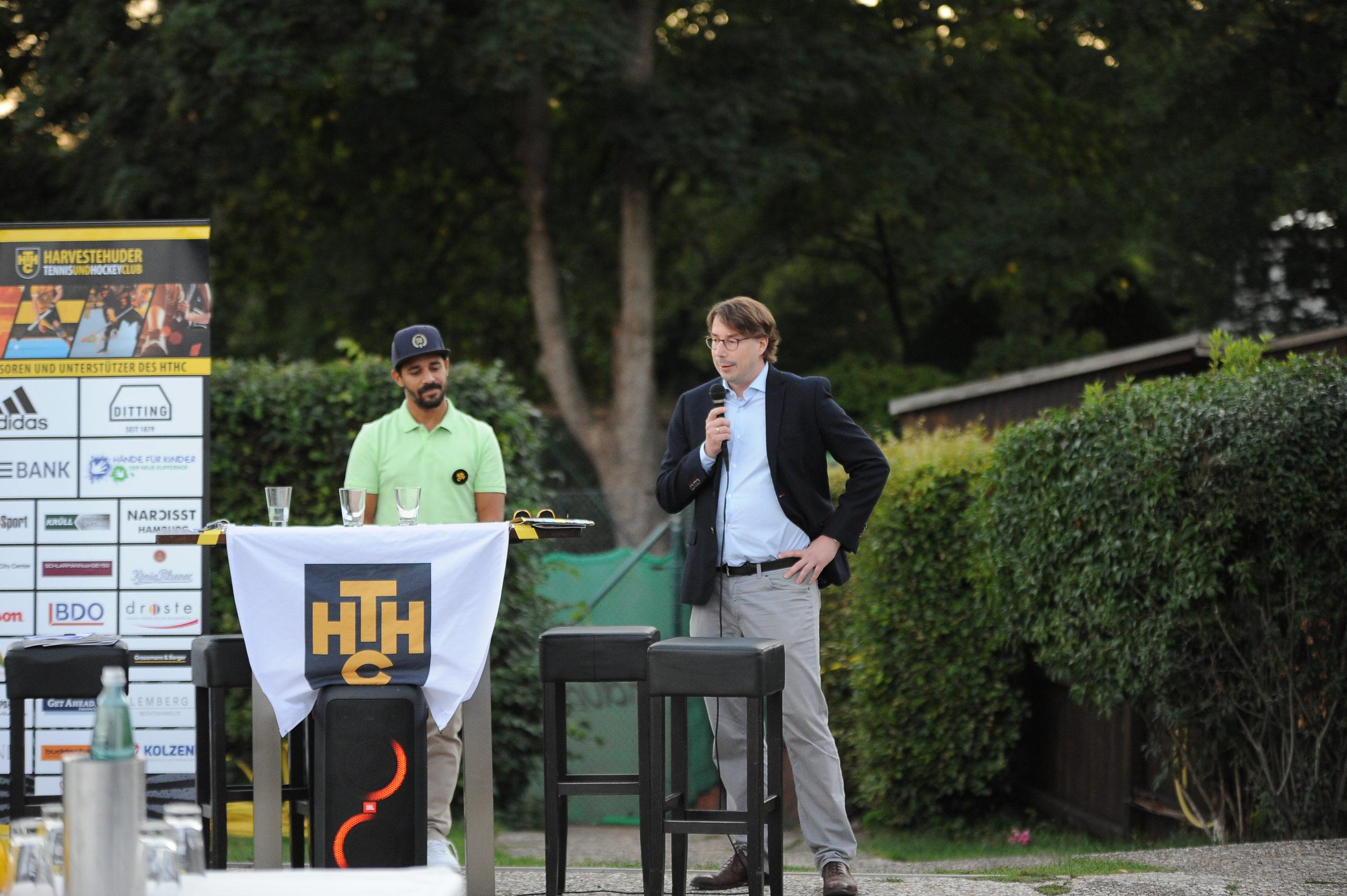 Johannes Dietz stellt den Sponsor KLU Hamburg vor